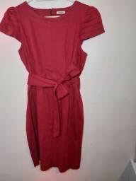Vestido vermelho( cor da moda) com cinto de laço  jeans elastano, três 4/do joelho