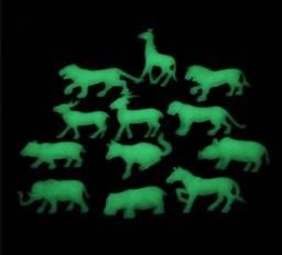 Animais Plásticos relevo bichos brilha no escuro acende luminoso fluorescente