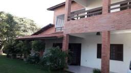 Alugo por temporada ou vendo casa rodeada de jardim em Paracuru