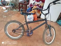 Bicicleta media preta presso 150