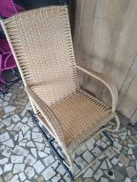 Cadeira de Balanço / Cadeira Fixa