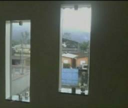 2 janelas de vidros