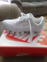 Tennis Nike shox 12 molas couro