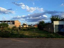 Ótimo terreno 10m por 50m = 500m² 5 quadras da Avenida. Santa Tecla