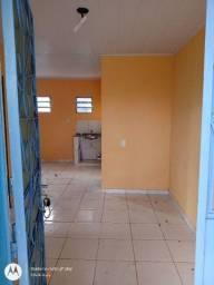 Casa no são Jorge, condomínio fechado, com 2/4, banheiro, sala, cozinha e quintal.