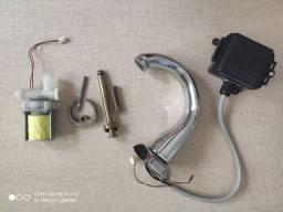 Torneira de lavatório com sensor Deca. Usada funcionando