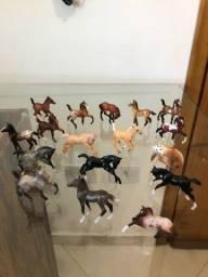 Raridade!! Lote de Miniaturas de Cavalos da famosa marca Breyer Reeves