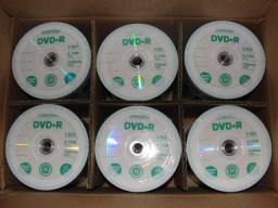 DVDs, Pack com 50 mídias na embalagem de CDs e DVDs virgens novos de fábrica.