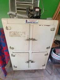 Refrigerador de 4 porta