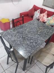 Mesa de mármore 4 lugares