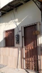 Casa no Guamá, Sala e cozinha (conjugadas), 1 quarto, 1 área de serviço. 1 banheiro