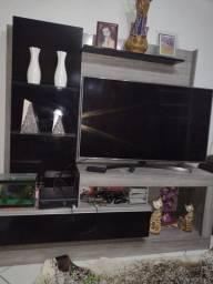 Estante pra TV 150,00 pra  vender logo