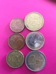 Moedas antigas (dollar, euro, Cruzeiro, peso uruguaio e de Cuba, argentino)