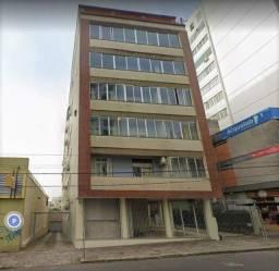 Apto com 2 dorm. dependência de empregada e garagem coberta, para alugar, 135 m² por R$ 1.