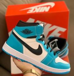 Bota Nike Air Jordan One