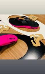 Chinelos Oakley e Nike