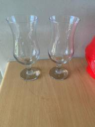 taças de vidro coquetel