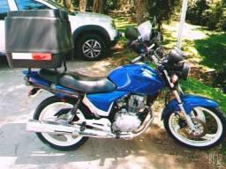 Vendo motocicleta Honda 150 ano 2004 documentos ok