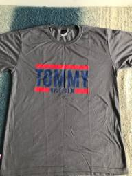 Camiseta Tommy e Boss , calção