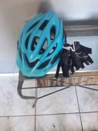 Capacete e Luvas de ciclismo