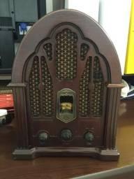 Radio GE design antigo