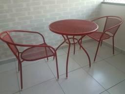 Conjunto de mesa e cadeiras para varanda