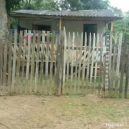 Vendo está casa 10 mil reais faço negócio tbm bairro são Francisco óscar passo dois
