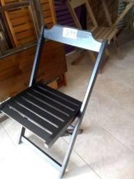 Mesas e cadeiras dobráveis em São Pedro da Aldeia.