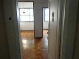 Apartamento - FLAMENGO - R$ 1.300,00