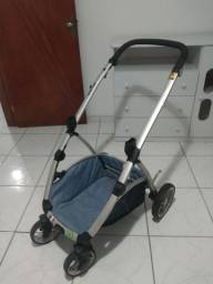 Carrinho de bebê com bebê conforto Dizeco