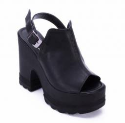 Vendo sandália salto fino e tratorada