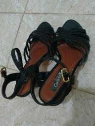 Sandália de salto de couro