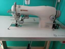Maquina de costura com franzidora
