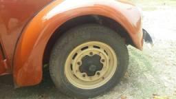 Jogo roda fusca 5 furos com pneu