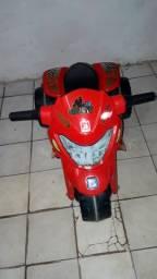 Moto Elétrica Bandeirante Banmoto G2 6V Vermelha