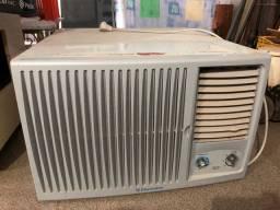 Ar condicionado janela Eletrolux