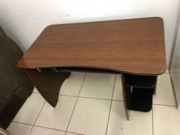 Mesa pra computador (entrego)