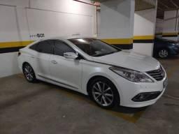 Hyundai Azera 2016, extremamente novo.