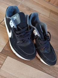 Vende-se Sapatos