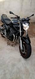 Moto Suzuki Bandit 650
