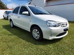 Etios Sedan 1.5X Baixo Km