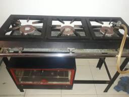 Vendo fogão industrial em cidade ocidental Goiás700$
