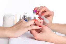 Manicure e Pedicure ( Agende seu horário ).