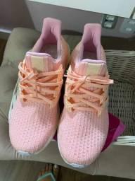 Tênis Adidas muito pouco uso