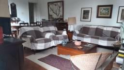Casa em condomínio- 03 quartos - Com linda vista - Centro-Petrópolis -RJ