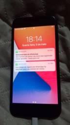 Vendo iPhone 7 32gb com caixa carregador fone e icloud livre faço recibo!!!