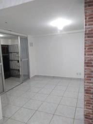Casa 2 quartos em Bairro República