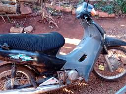 Vendo moto box ano 2001