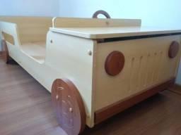 Cama infantil modelo Jeep / Muito conservada / **Não repondo chat**