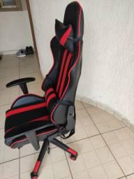 . Cadeira gamer Giratória e reclináveis